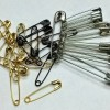 Safety pins (photo)