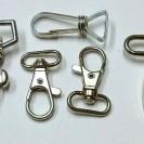 Снимка на метални карабини